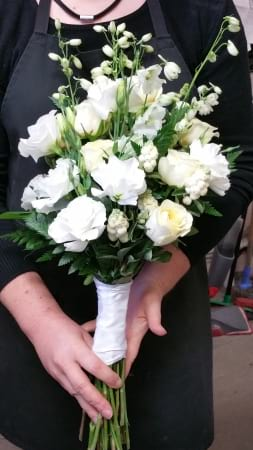 Bouquet of Flowers in lemons & Whites