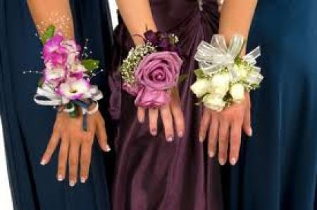 Corsages, Wristlet sprays